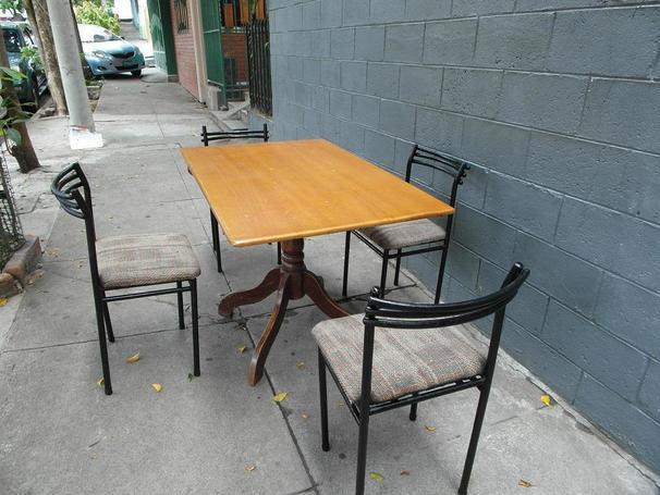 Mesa y sillas usadas en venta el salvador sv for Mesas de comedor usadas