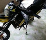Vendo Moto Um Año 2017