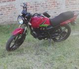 Moto Um Falcon.. Todo en Regla Año 2013