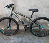 Bicicleta de Montaña Y Aluminio