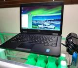 Dell Core i5 / RAM 4GB / HDD 500GB / HDMI / Teclado iluminado / Bluetooth
