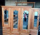Closet de Tres Puertas Cedro con Garantí