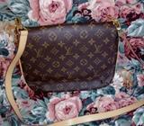 Crossbody Louis Vuitton Lv con Código
