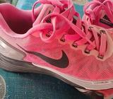 Vendo Nike 24 Cm