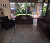 SE ALQUILA CASA VIA DEL MAR, PRIVADO,  4 habitaciones,  3 baños,  sala, comedor, cocina, jardín, ter
