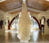 Hermoso y elegante vestido de novia