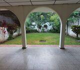 SE VENDE CASA RESIDENCIAL BOSQUES DE SANTA ELENA, PRIVADO, tiene 290 v2 de terreno y 260 mts2 de con